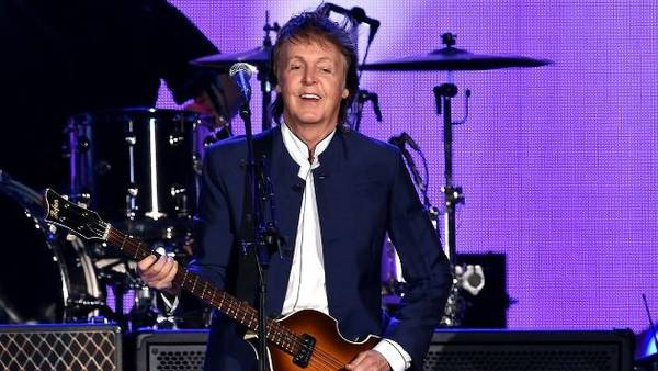 """Paul McCartney says he won't sign autographs anymore, finds it """"strange"""" people want them"""